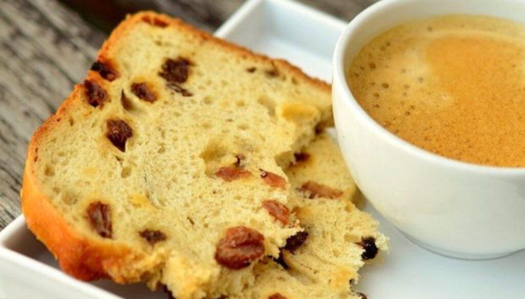 עוגת קפה וצימוקים