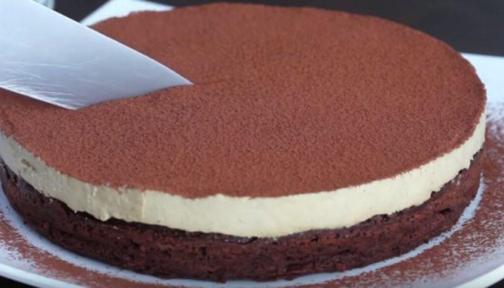 עוגת שוקולד ללא קמח עם מוס קפה