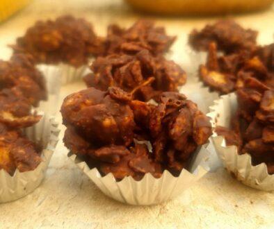עוגיות שוקולד וקורנפלקס במיקרוגל